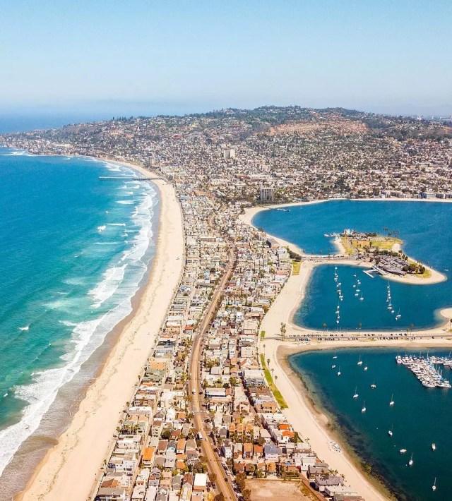 San Diego's Mission Beach. Photo by Instagram user @lexavila.la