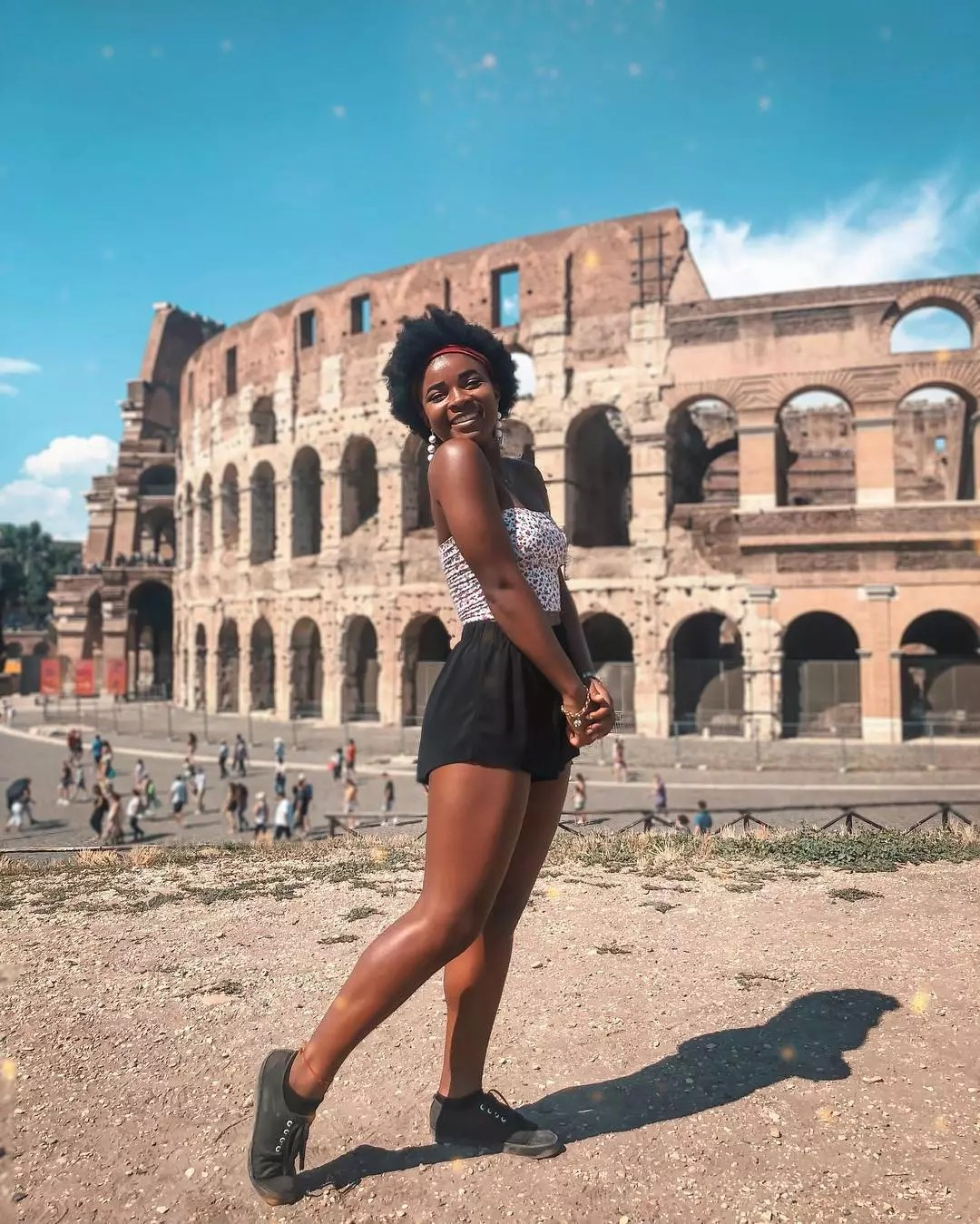 College Student on a Study Abroad Trip in Front of the Colisseum. Photo by Instagram user @nikkipaige1396