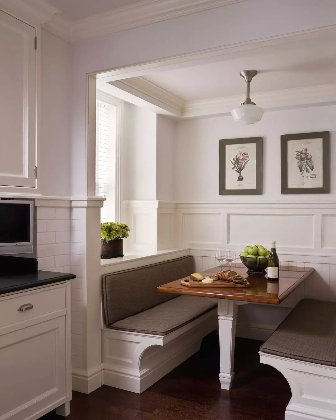 Kitchen with breakfast nook. Photo by Instagram user @jbmarchitect