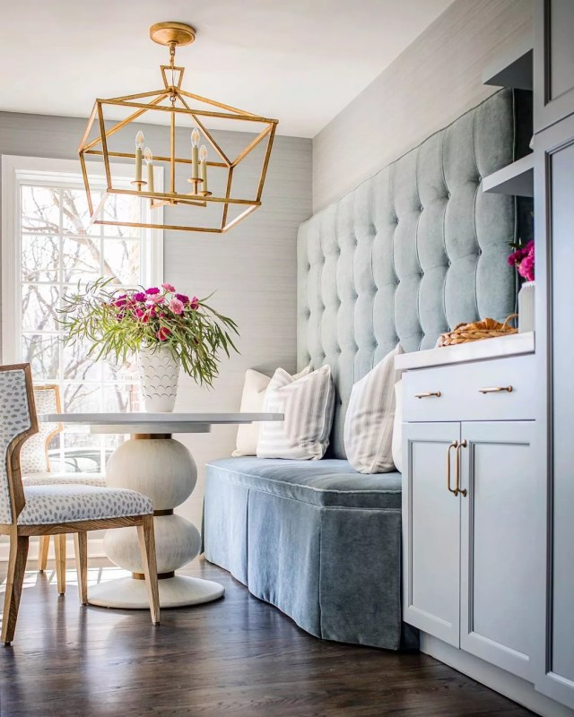 Breakfast nook in luxury kitchen. Photo by Instagram user @mollysingerdesign