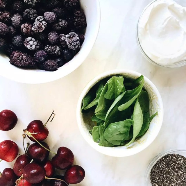 Fruit smoothie ingredients on white background. Photo by Instagram user @midweekminimalist