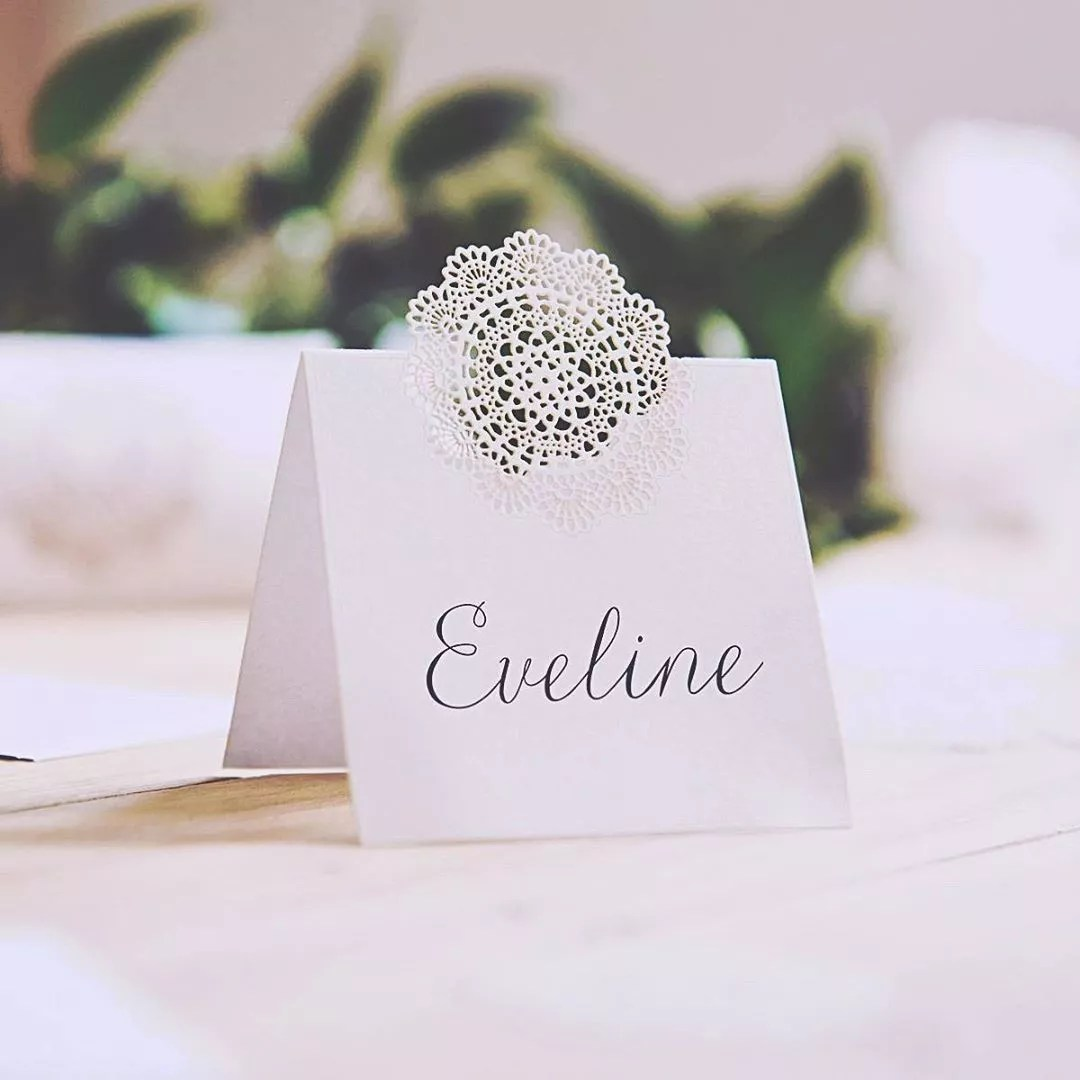 Name Placecard on Dinner Table. Photo by Instagram user @herbeautifulmess_creative