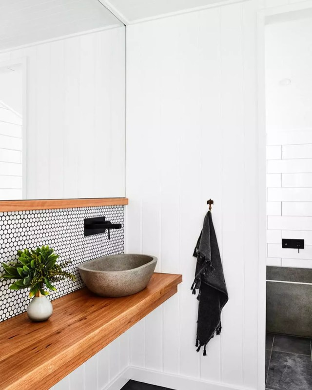 Modern minimalist bathroom. Photo by Instagram user @novocastrianbathroomsolutions