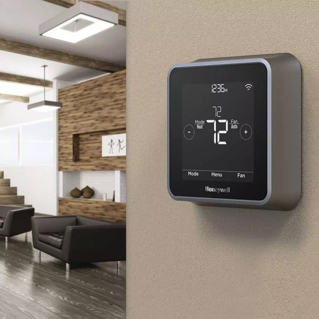 Smart Thermostat on Wall. Photo by Instagram user @smarthome_com