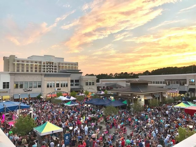 View of large crowd at Midtown Beach Music festival. Photo by Instagram user @visitonorthhills
