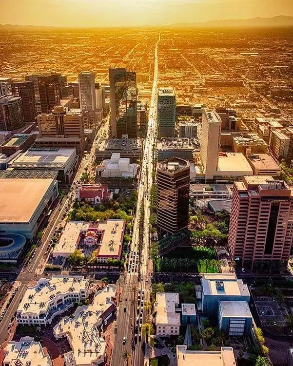 Aerial view of the interstate in Phoenix. Photo by Instagram user @famousdeescosmic8