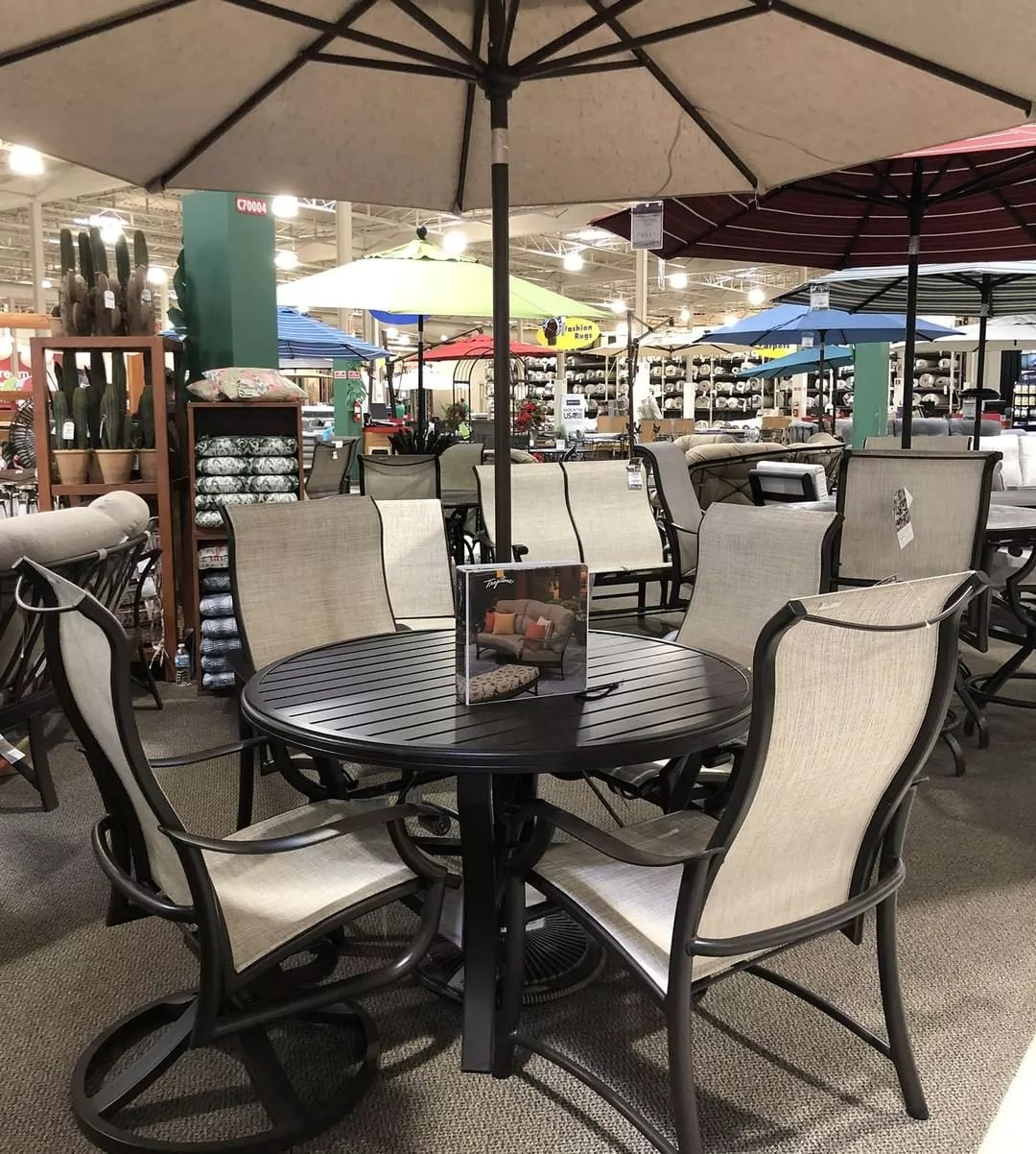 Outdoor patio dining set at Nebraska Furniture Mart. Photo by Instagram user @nfmpics