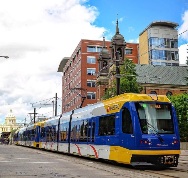 Minnesota metro driving on a sunny day. Photo by Instagram user@metrotransitmn