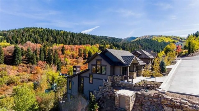 Luxury vacation home in Park City, UT. Photo by Instagram user @hookeduphomes