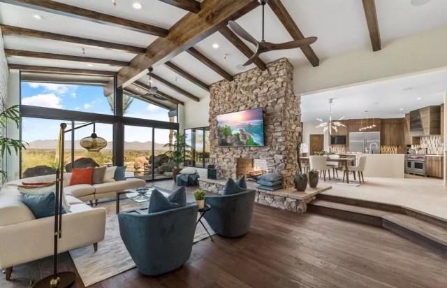 Interior of Arizona luxury home. Photo by Instagram user @joannbauerhomes