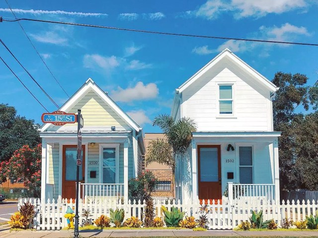 Tiny shotgun-style houses in Ybor City, Tampa, FL. Photo by Instagram user @architectureoftampa
