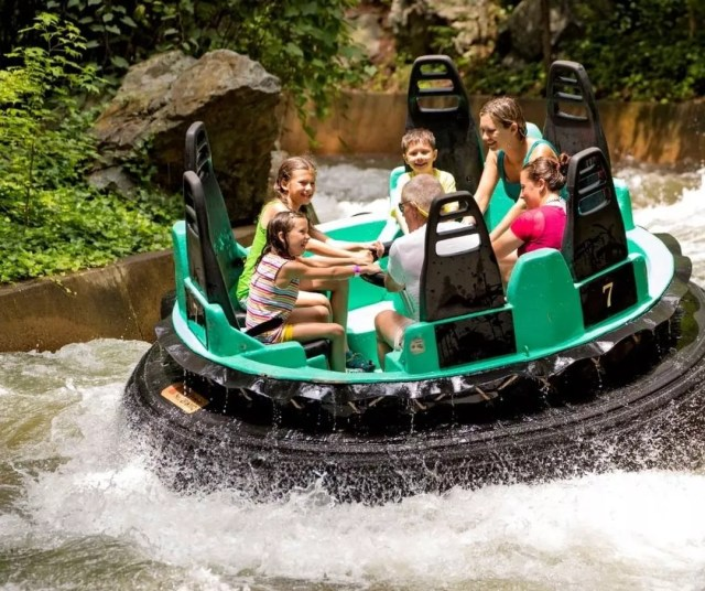 Family on water ride at Kings Dominion in Richmond, VA. Photo by Instagram user @kingsdominionva
