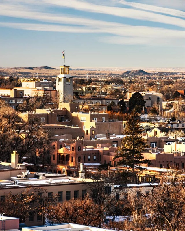 downtown santa fe new mexico photo by Instagram user @travlinphoto