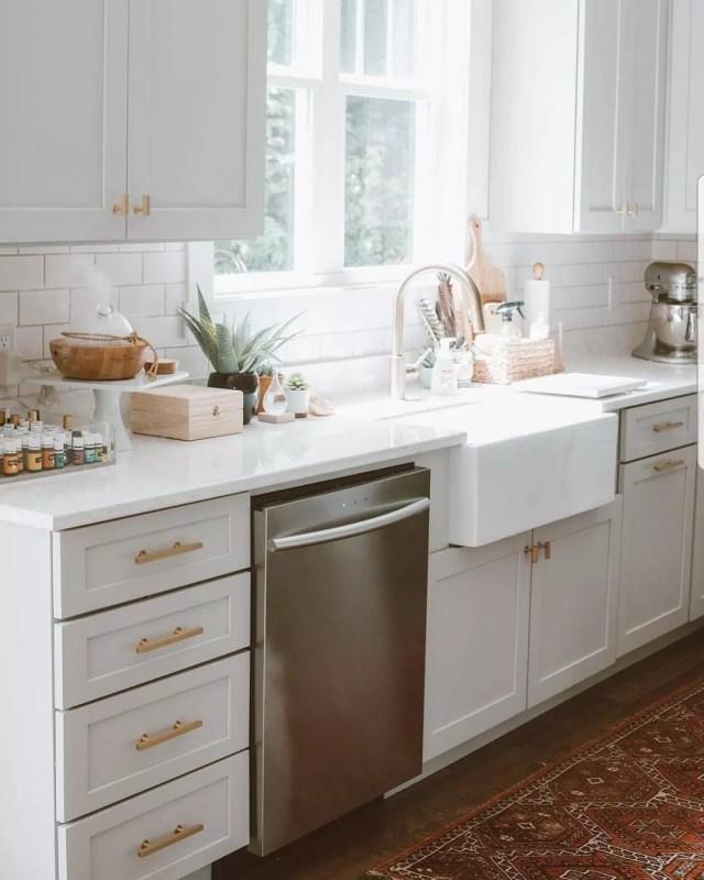 smart samsung dish washer in modern kitchen photo by Instagram user @samsunghomeappliances