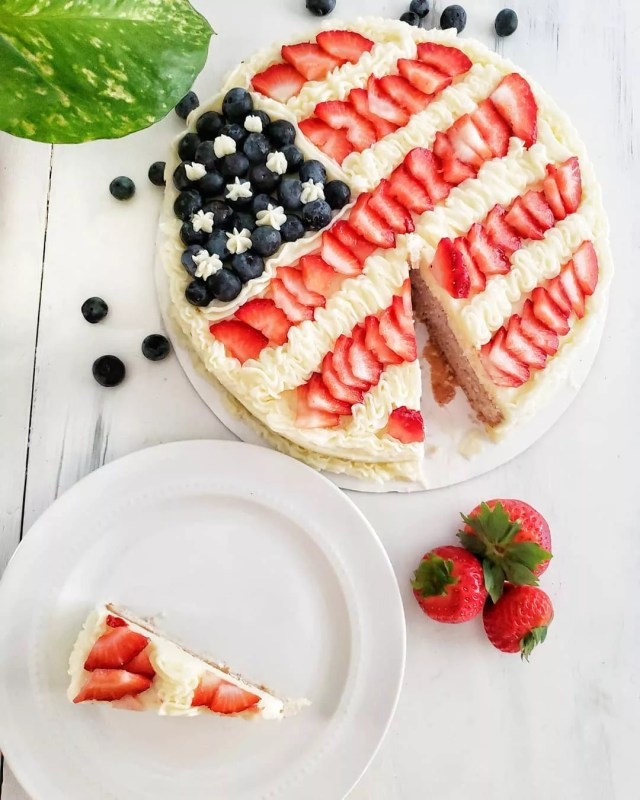 American Flag Style Cake make with Berries. Photo by Instagram user @proseccotopeaches