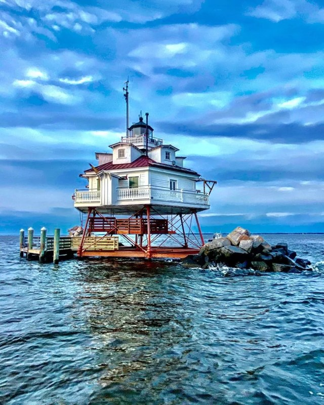 Image of the Thomas Point Lighthouse in Annapolis, MD. Photo by Instagram User @motoxdms