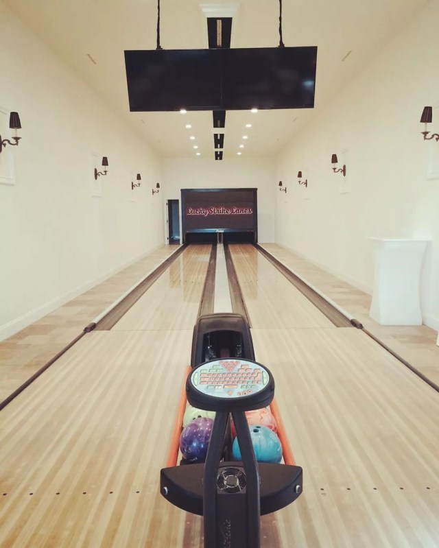 Home Bowling Alley with Two Lanes. Photo by Instagram user @charcodb
