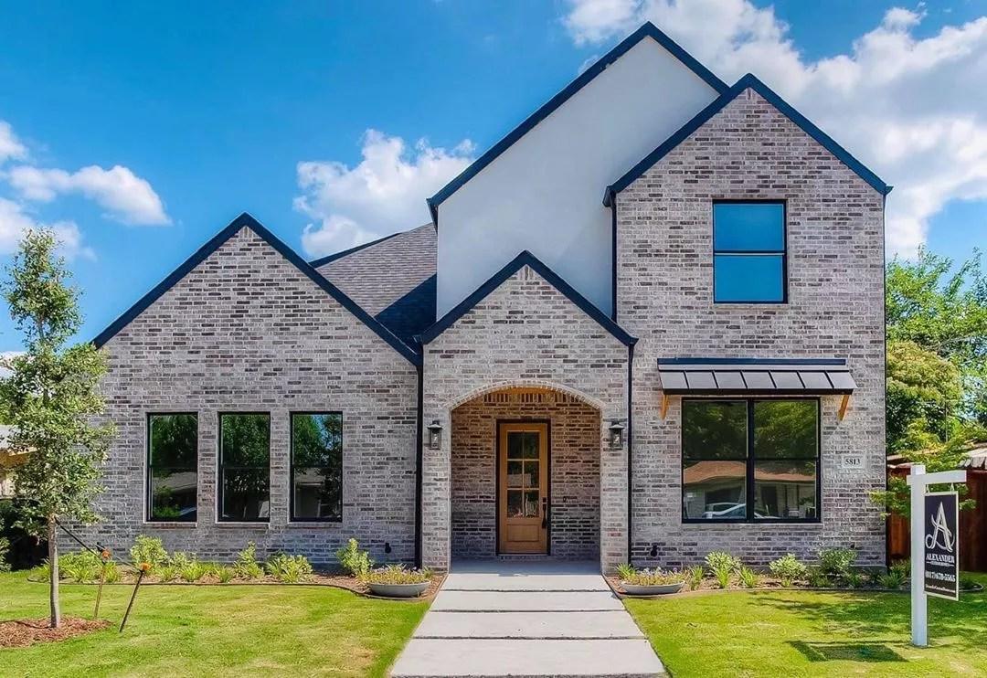 New White Brick Style Home in Westworth Village, TX. Photo by Instagram user @marisolalvaradokw