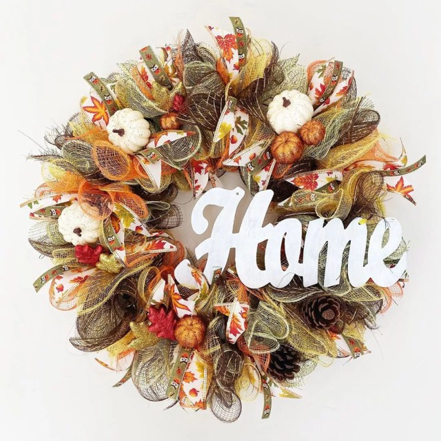 Fall Wreath with Home on It. Photo by Instagram user @daydream.craft