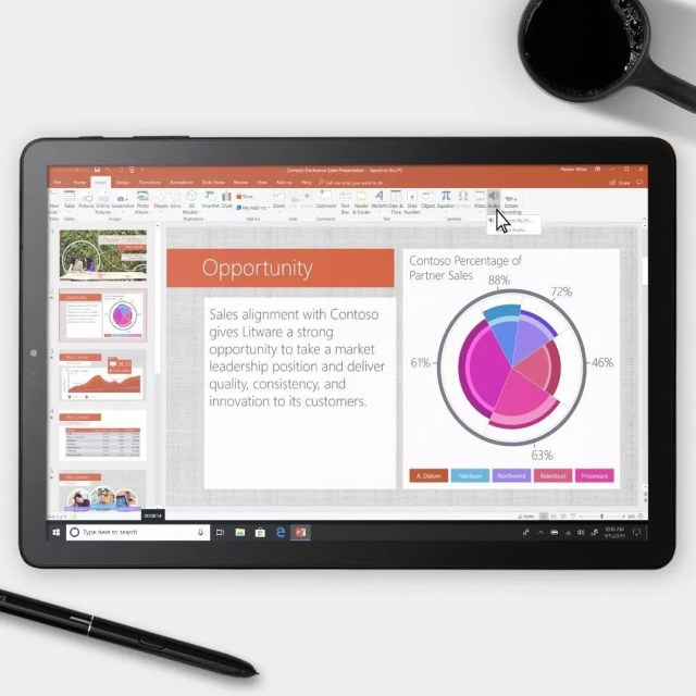Tablet Running Microsoft Powerpoint on Microsoft 365. Photo by Instagram user @microsoft365
