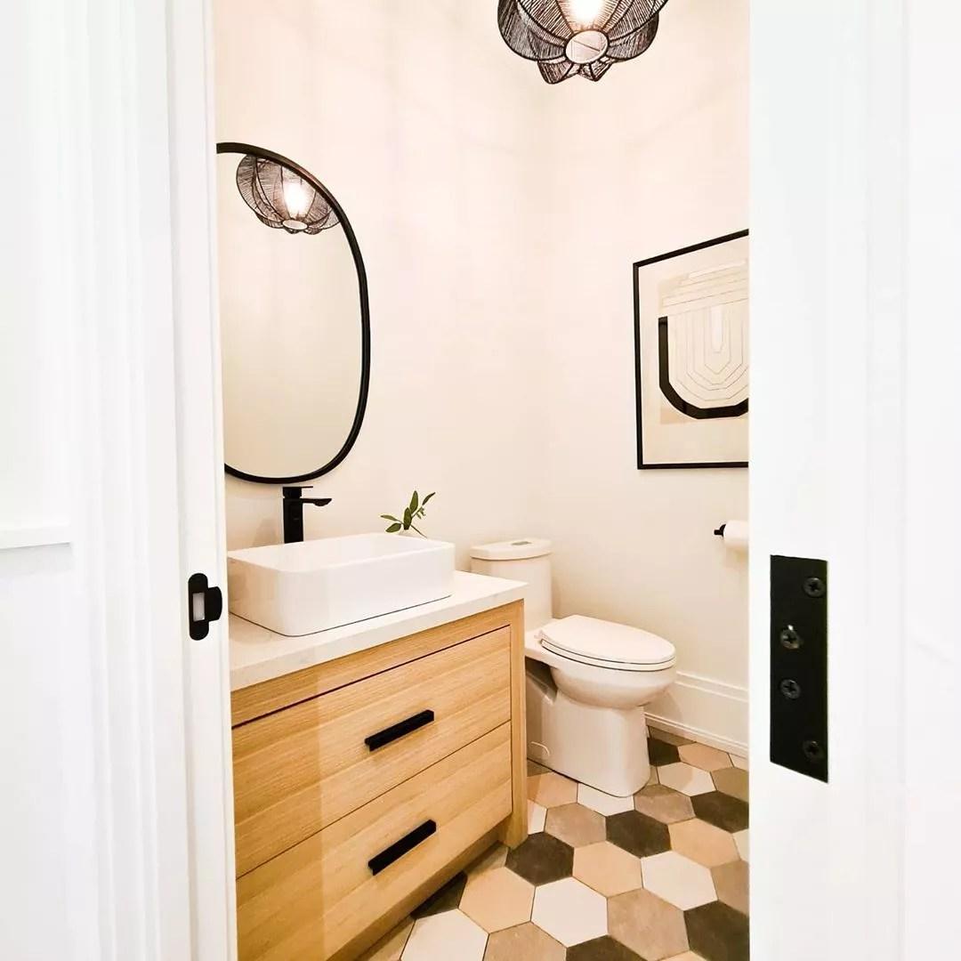 Bathroom with underfloor heating. Photo by Instagram user @magnoliafinehomes