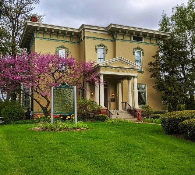 Historic home in Heritage Hills neighborhood in Grand Rapids. Photo by Instagram user @heritagehillgr