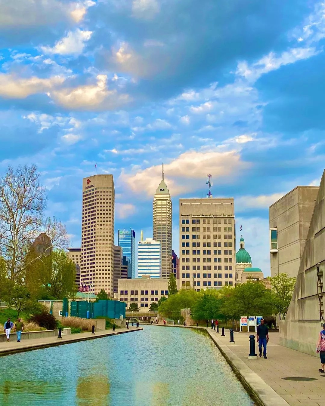 Skyline view of Indianapolis from the Downtown Indy Canal. Photo by Instagram User @andrew_j_spartan