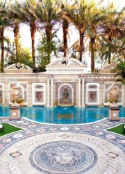 Versaces Miami Beach Mansion on Sale for 125 million  eXtravaganzi