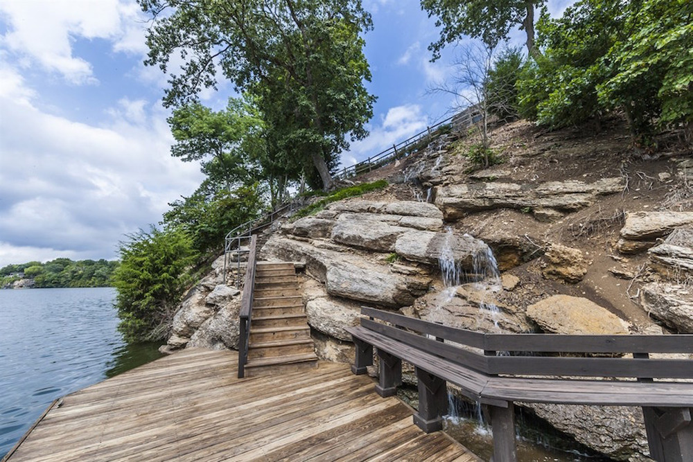 Secluded Tennessee Lakefront Retreat on Sale for 56
