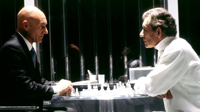 X-Men: Professor X plays chess against Magneto