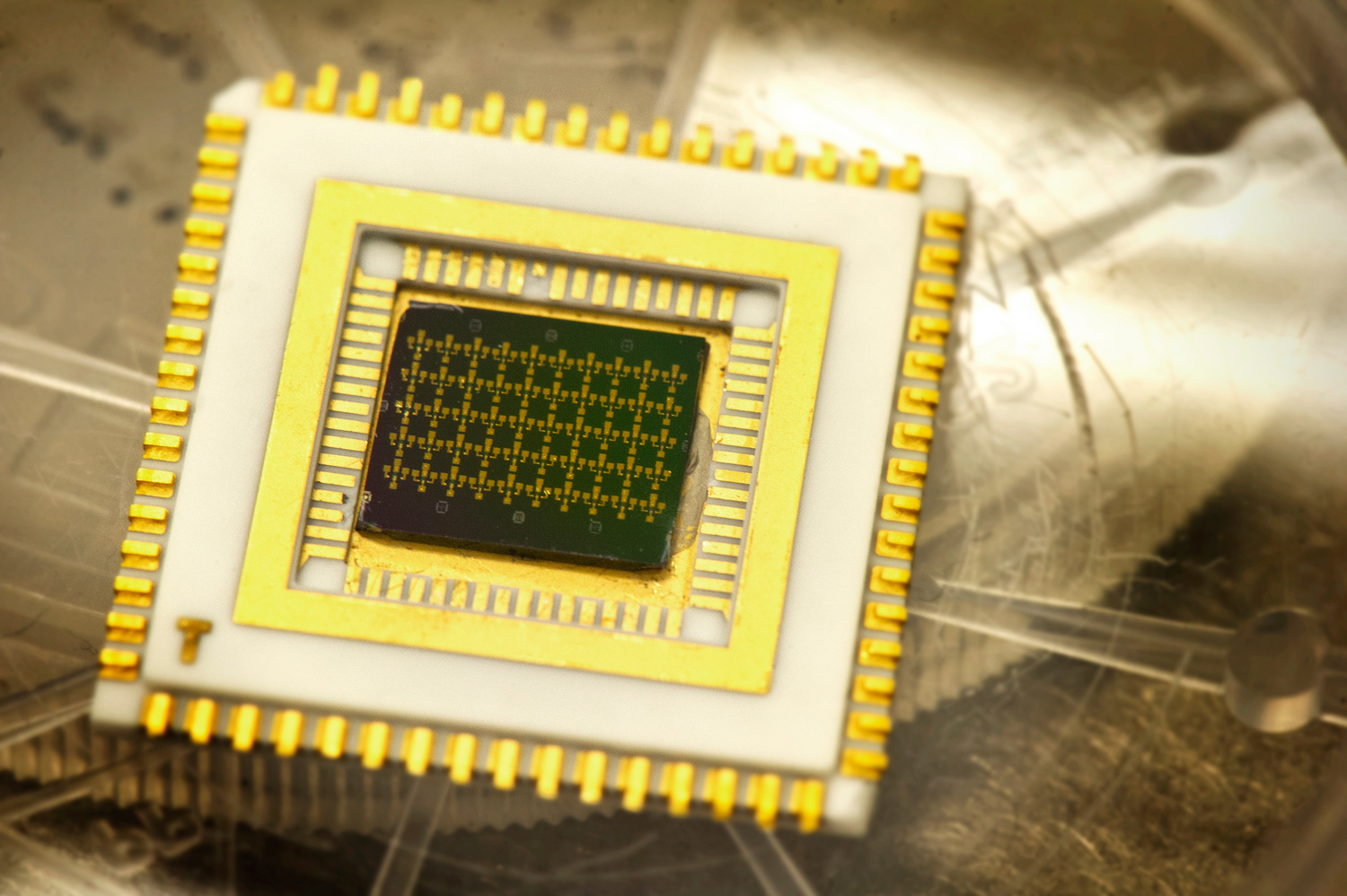Cryogenic onchip quantum electron cooling leads towards