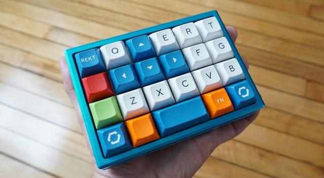 How to Build a Custom Mechanical Keyboard Gamepad 8