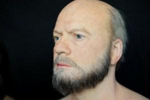 Один из пользовательских манекенов DxOMark, созданный для повторного тестирования портретов селфи
