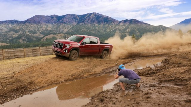 2020 GMC Sierra Review: The Pickup With X-Ray Vision for Trailering 7