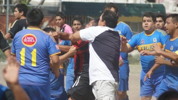 Debido a la bronca suscitada en la final de Copa, jugadores de Tigres y Deportivo 17 serán castigados por la Liga