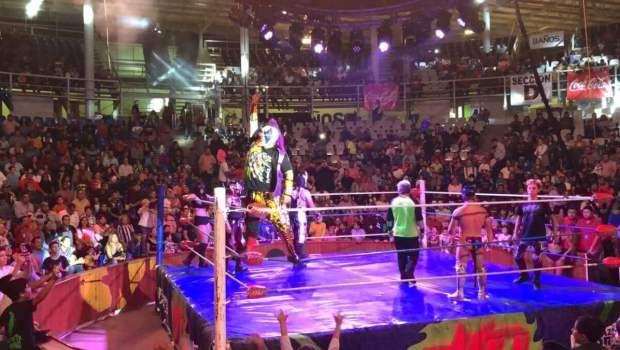 Vibra la Feria Tamaulipas con la Triple AAA y una abuelita