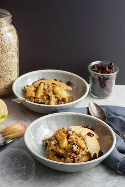 Super quick vegan oatmeal breakfast