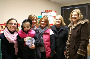 Junior League of Annapolis collects diapers
