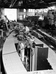 construction of a yacht, Marion Warren SMALL-1