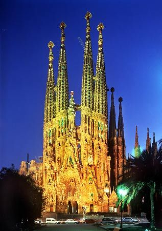Antoni Gaudi  a brief history  updated