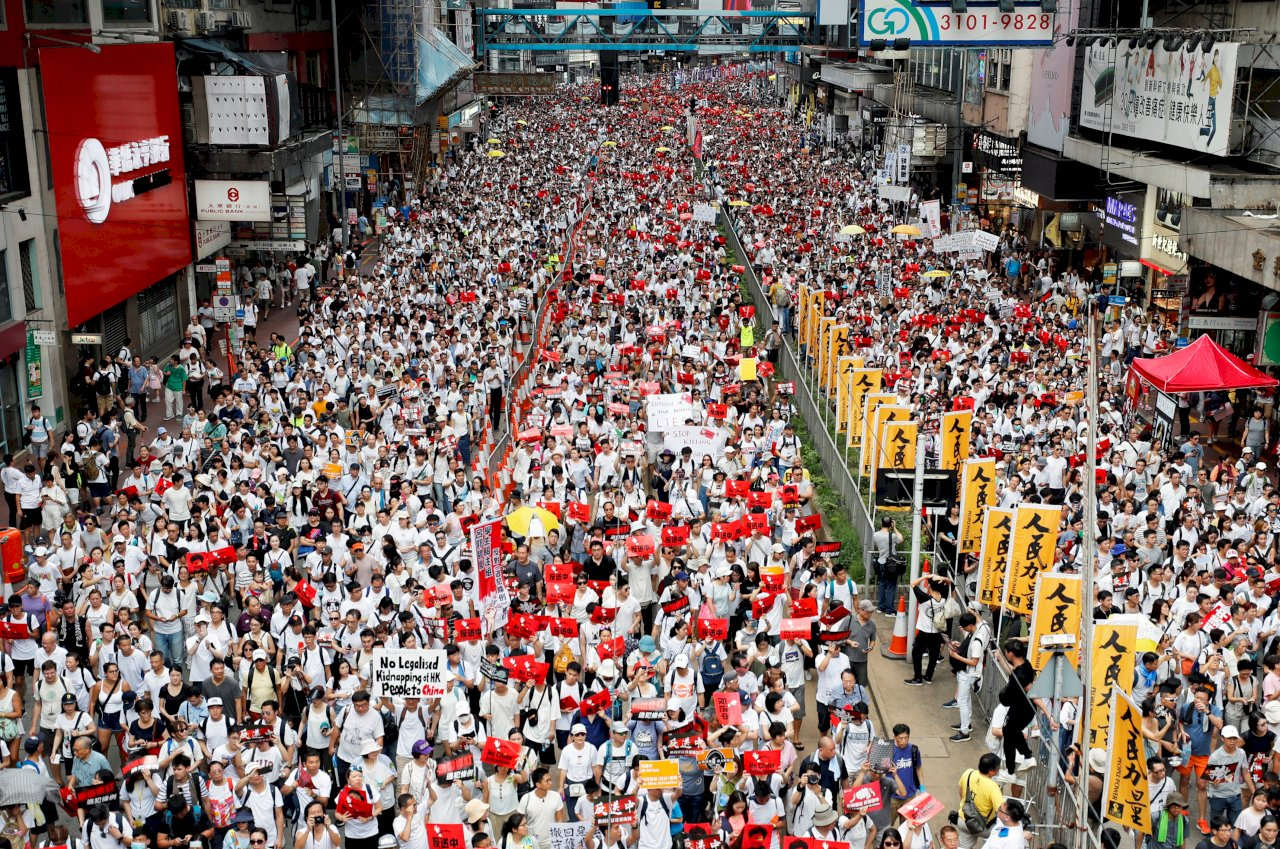 VIDEO: One million protest in Hong Kong against proposed extradition law   Eye On Taiwan
