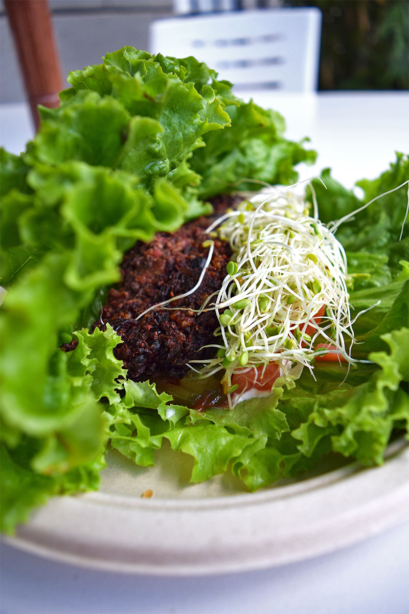Down To Earth Organic & Natural, healthy lunch Waikiki
