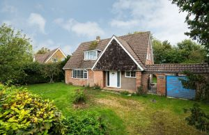 Edneys Lane, Denmead, Waterlooville, Hampshire, PO7 6JJ