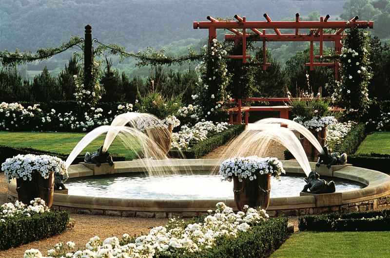 Le jardin Blanc  Eyrignac et ses jardins Dordogne  Eyrignac et ses jardins