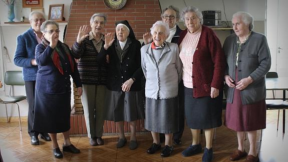 Las monjas de la Compañía de María dicen adiós