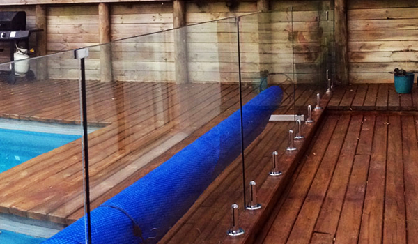 Swimming Pool Fencing Aluminium And Glass Pool Fences Ezydeck