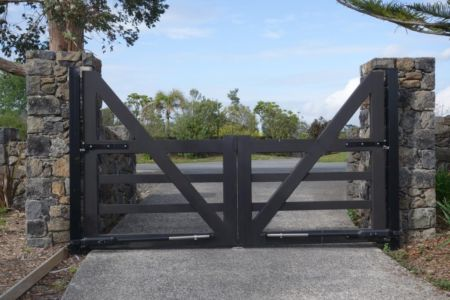 Residential - Wooden Gates - 10