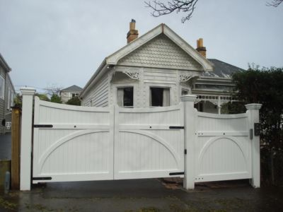 Residential - Wooden Gates - 9