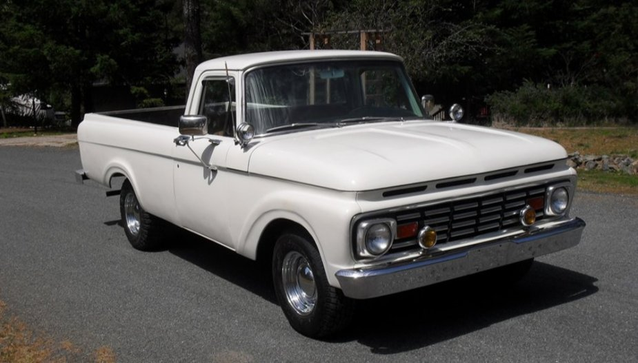 1963 Ford F-100 Front