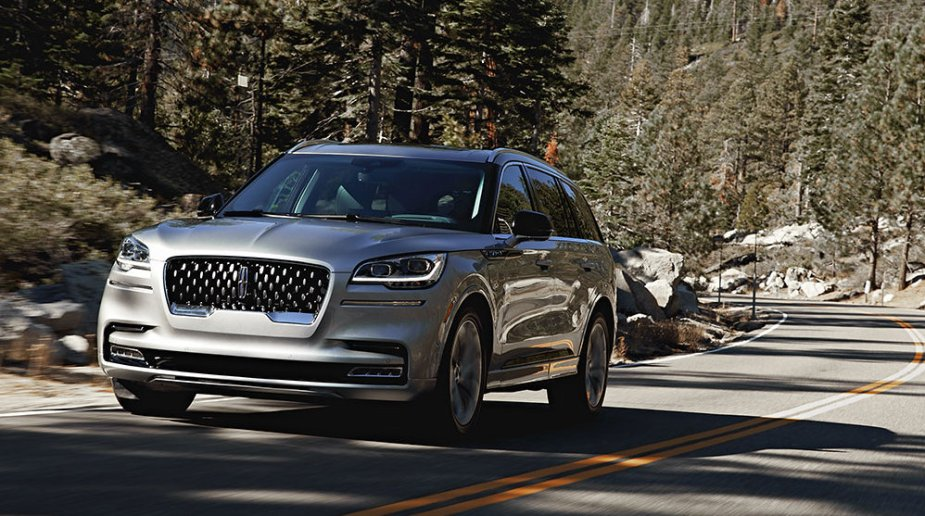 Lincoln Aviator Front Road